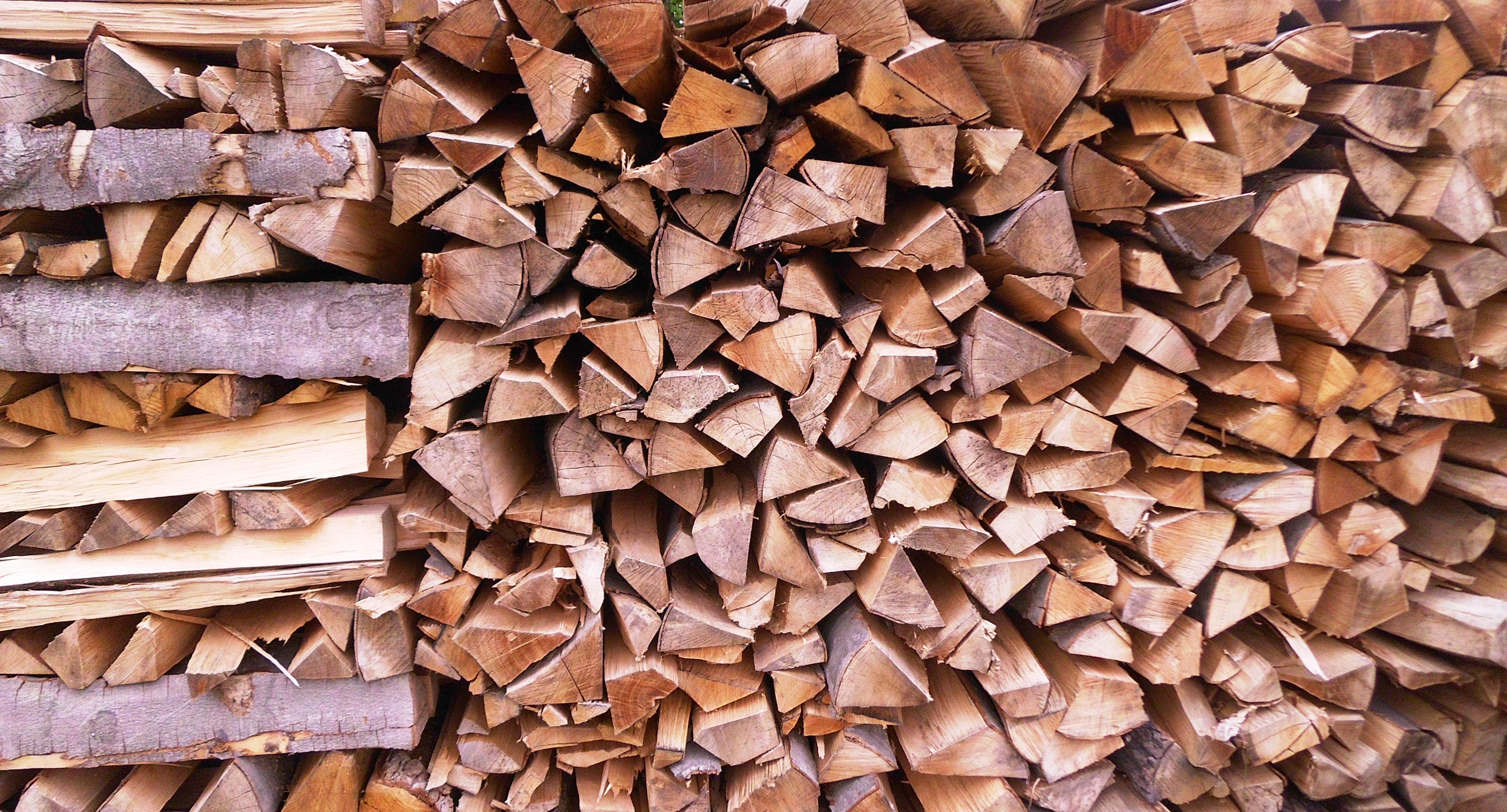 Holz_gespalten